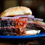 Akses Makan di Dukes Bar-B-Que, Mahal Nggak Sih?