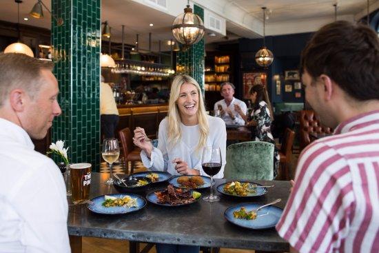 Menu Makan Malam Restoran Duke London, Inggris